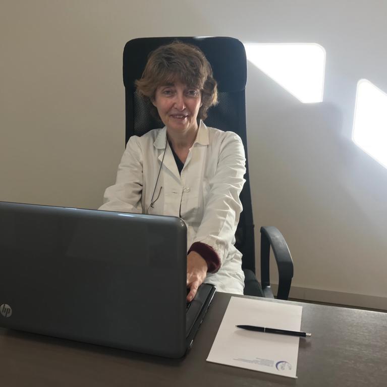 Dott.ssa Anna Faustini Cento Medico Selene